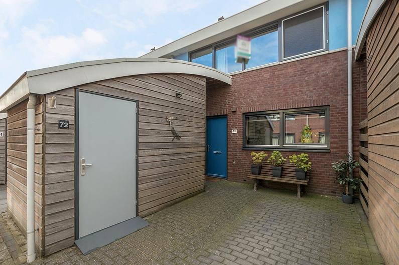 Schoolbaan 72 in Roelofarendsveen 2371 VT