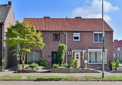 Beekhoverstraat 67 in Geleen 6166 AB