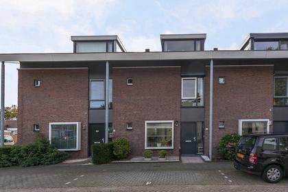 Vijverhof 3 in Hendrik-Ido-Ambacht 3341 TS