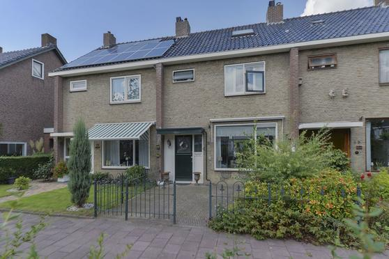 Beatrixstraat 31 in Leiderdorp 2351 GP