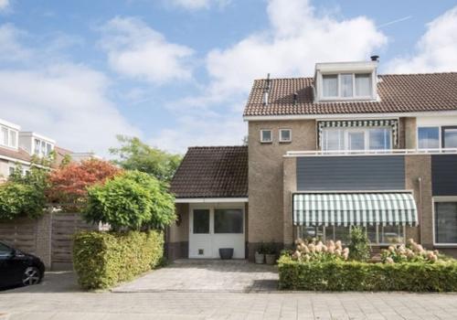 Steur 45 in Ridderkerk 2986 SH
