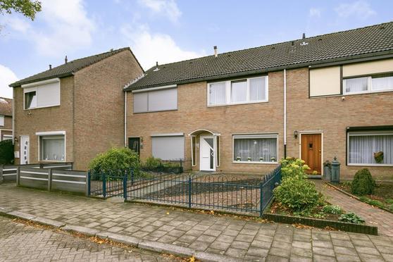 Henri Jonasstraat 56 in Heerlen 6415 JK