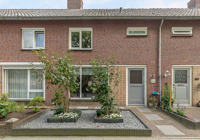 Lelielaan 28 in Veghel 5462 BE