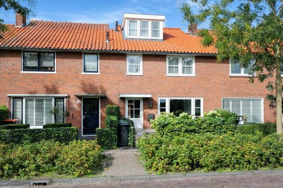 Gooiergracht 95 in Laren 1251 VC