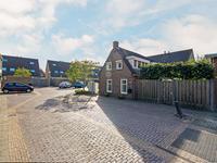 Emmastraat 2 in Numansdorp 3281 BH
