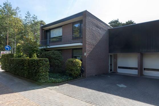 Rubensstraat 1 in Son En Breugel 5691 EC