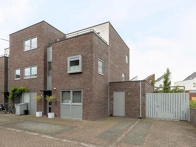 De Terpen 18 in Waalwijk 5146 CE