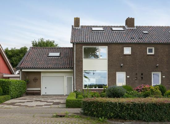 Burgemeester Padmosweg 178 in Wilnis 3648 BN