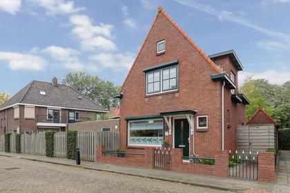 L Verdoornstraat 1 in Werkendam 4251 ET