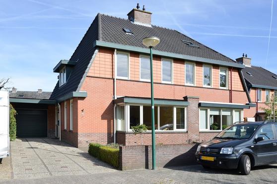 Vinkenhof 40 in Baarn 3741 WK