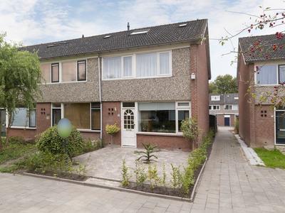Annendal 53 in Zevenbergen 4761 LL