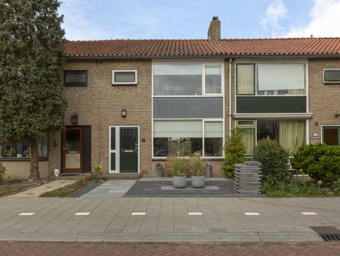 Wilgenlaan 11 in Alphen Aan Den Rijn 2404 EA