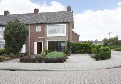 Alberdingk Thijmstraat 37 in Waalwijk 5144 SJ