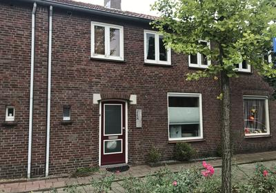 Beatrixstraat 12 in Oud Gastel 4751 BV