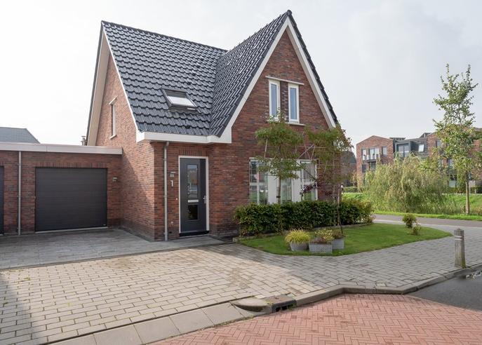 Jacob Van Deventerstraat 1 in Zwaag 1689 XL