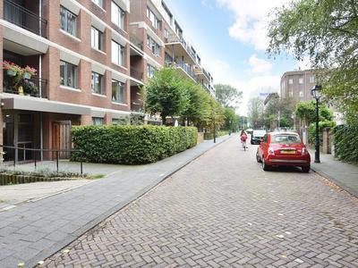 Koningin Sophiestraat 110 in 'S-Gravenhage 2595 TM