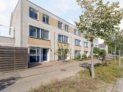 Oude Herenweg 1 in Alphen Aan Den Rijn 2402 JJ