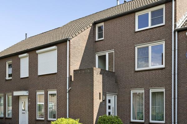 Raadhuisstraat 36 in Posterholt 6061 EA