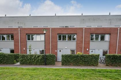 De Hovenlaan 151 in Apeldoorn 7325 VT