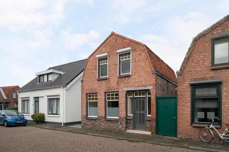 Prins Mauritsstraat 35 in Axel 4571 HA