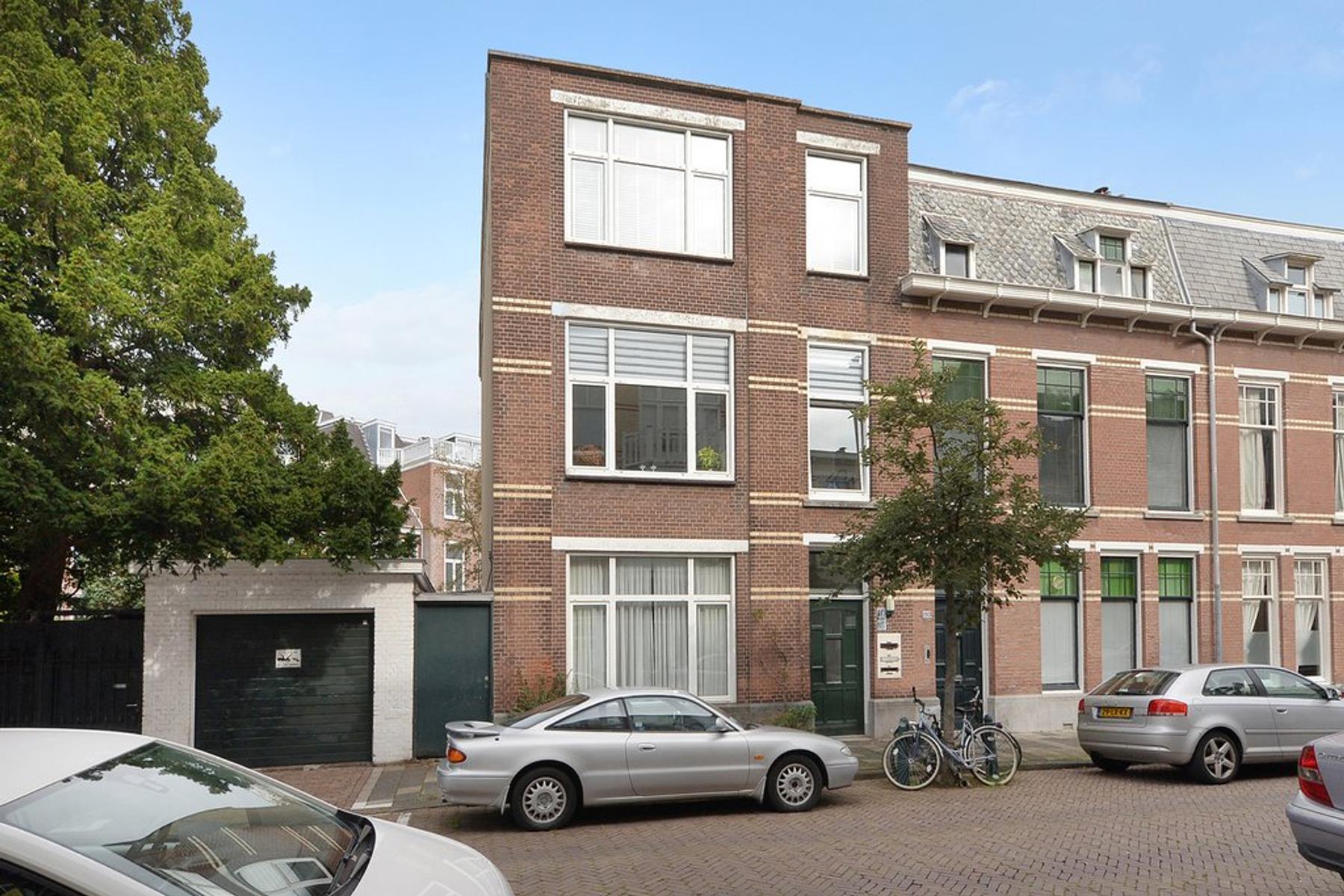 2E Schuytstraat 195 B in 'S-Gravenhage 2517 TM
