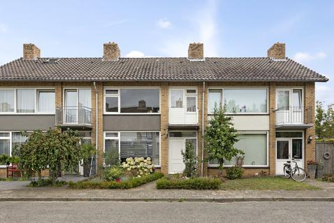 Pastoor Drehmannsstraat 37 in Herten 6049 AS