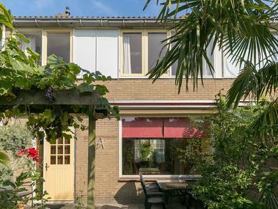 Maximiliaan Van Oostenrijkstraat 10 in Oss 5346 RJ