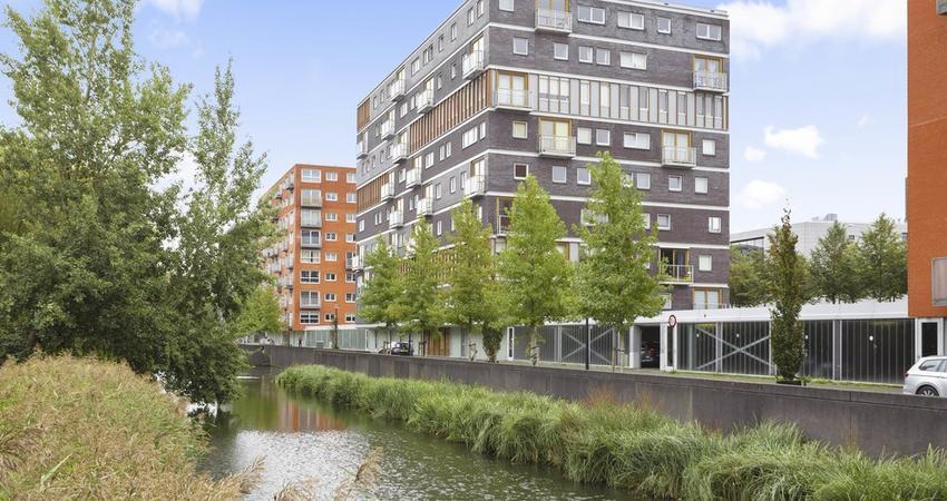 Anna Blamansingel 138 in Amsterdam 1102 SV
