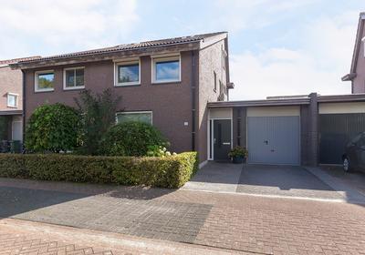 Lijsbeth Van Villeynstraat 43 in Helmond 5706 MJ
