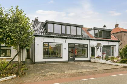 Ooststraat 43 in Kapelle 4421 EA