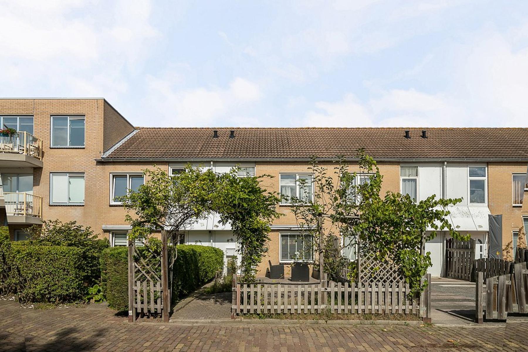 Pieter Poststraat 81 in Vlissingen 4383 CB