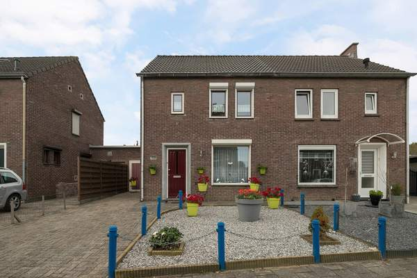 Jasmijnstraat 29 in Geleen 6163 GM