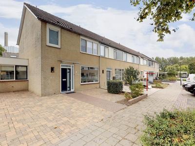 Nassaustraat 1 in Geertruidenberg 4931 XE