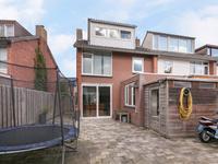 Algemeen:<BR><BR>-De woning is grotendeels voorzien van kunststof kozijnen en dubbele beglazing.<BR>-De woning is voorzien van 4 slaapkamers.<BR>-Algemeen stucwerk wanden en plafonds.<BR>-De woning is rustig gelegen in kerkdorp Steensel.<BR>-Gunstige ligging t.o.v. omliggende dorpen, Eindhoven, Veldhoven en de snelweg A67.<BR>-Op korte afstand van de natuur.<BR>-Uw interesse gewekt? Maak een afspraak voor een vrijblijvende bezichtiging van deze woning.