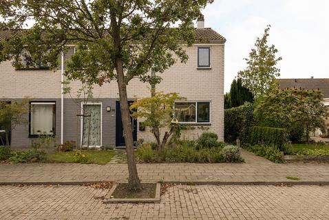 Elstarstraat 105 in Kapelle 4421 DV