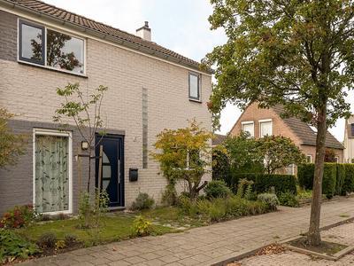 Elstarstraat 105 in Kapelle 4421 DV