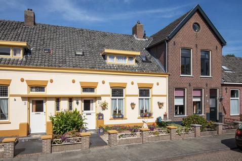 Wilhelminastraat 74 in Vlijmen 5251 ET