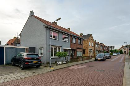 Beatrixstraat 17 in Yerseke 4401 EJ