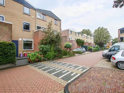 Buys Ballotsingel 28 in Schoonhoven 2871 XZ