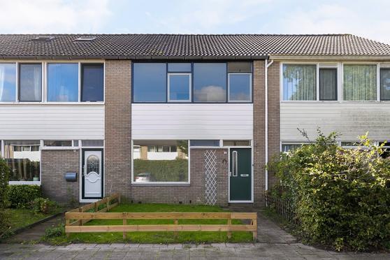 Bereklauw 4 in Leeuwarden 8935 NP