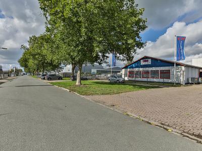 Nijverheidsweg 11 -13 in Hoogezand 9601 LX