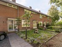 Burgemeester Neetstraat 142 in Ouderkerk Aan Den IJssel 2935 BE