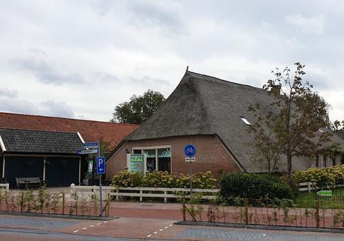 Dorpsstraat 8 in De Wijk 7957 AV