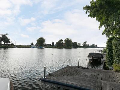 Waaldijk 11 in Ridderkerk 2988 AT