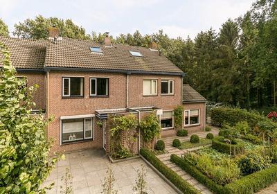 Rode Schouw 2 A in Halsteren 4661 VA