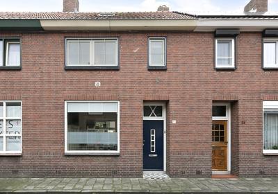 Charitasstraat 33 in Roosendaal 4702 ZL