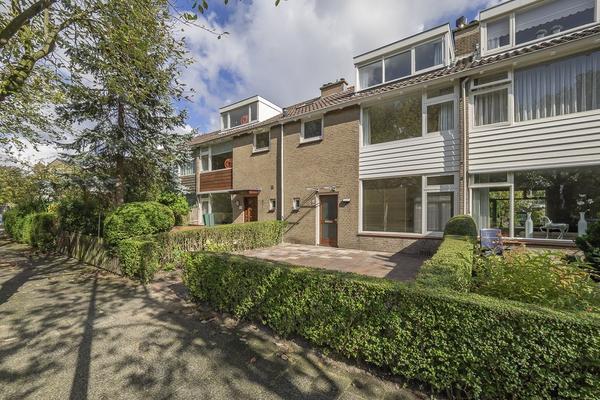Parklaan 18 in Wassenaar 2241 XN