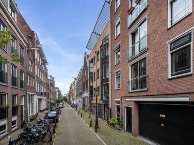 Utrechtsedwarsstraat 34 D in Amsterdam 1017 WG