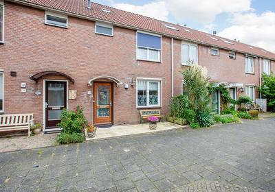 Marketentster 193 in Alphen Aan Den Rijn 2401 JB