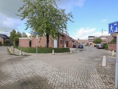 Oranje-Nassauhof 7 in Lopik 3411 DC